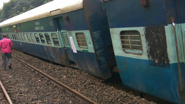 12 coaches of Thiruvananthapuram-Mangalore express train derail