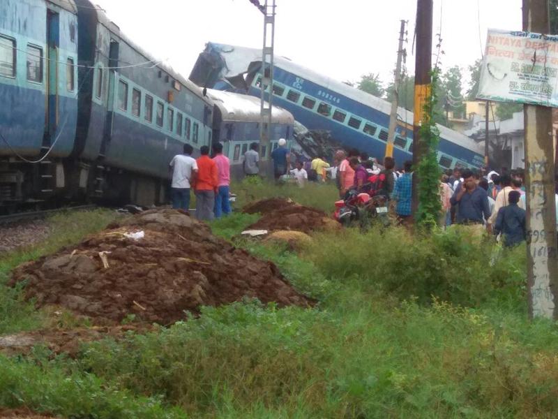 मुजफ्फरनगर में घर में घुसी कलिंग-उत्कल एक्सप्रेस; 10-12 की मौत, दर्जनों घायल