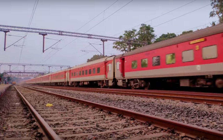 Hazrat Nizamuddin - Mumbai CSMT Rajdhani Special